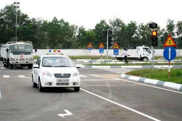 trung tâm đào tạo lái xe giá rẻ