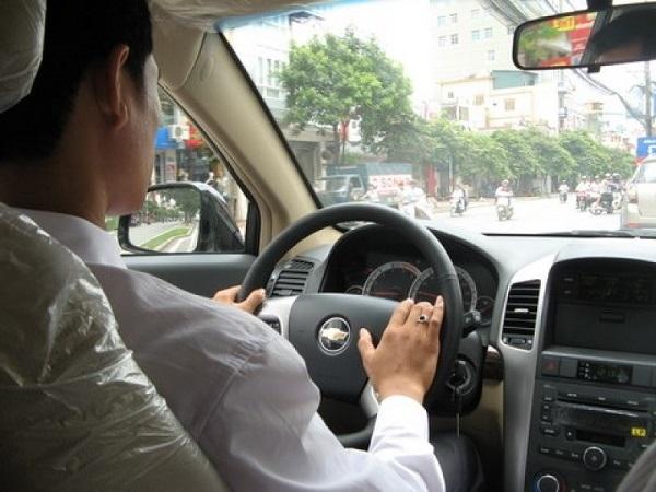 học lái xe ô tô số tự động